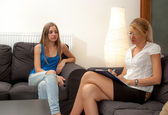 Psychotherapist and teenager patient — Stock Photo