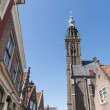 EDAM, HOLLAND - MAY 28: Detail of street leading to Carillon tow — Stock Photo