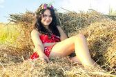 Vrouw in het veld — Stockfoto