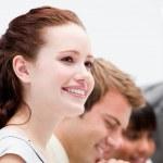 Ritratto di una donna d'affari sorridente lavorando — Foto Stock