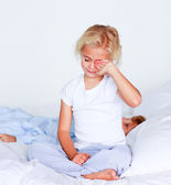 Cute little girl want to sleep — Stock Photo