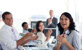 Businessteam tleskal úspěšný projekt — Stock fotografie