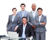 Retrato de un negocio multi-ethnic carismático — Foto de Stock