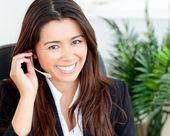 Pewnie kobieta Azji noszenie słuchawek — Zdjęcie stockowe