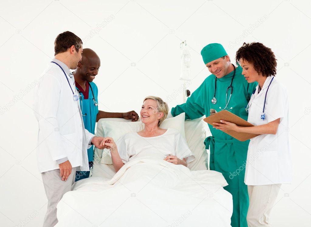 стесняясь эти если главная медсестра наезжает сцены прикрытой лесбийской