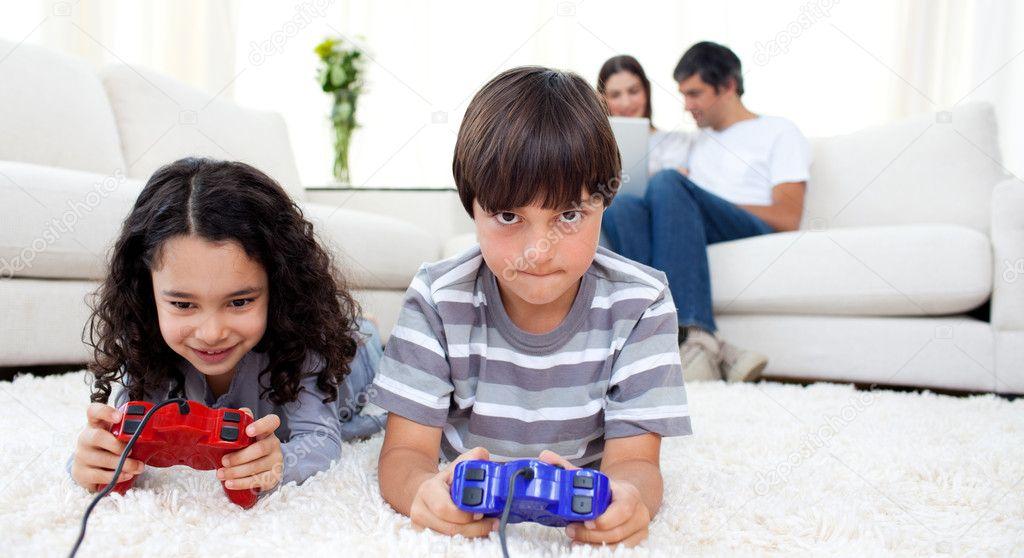 порнофотографии онлайн брат с сестрой смотреть только фото
