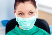 Porträt von ernst chirurg mit maske — Stockfoto