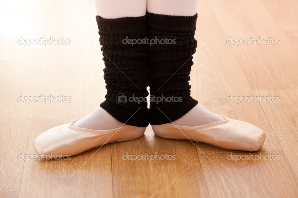 Close-up of the feet of a talented ballerina dancing — Stock Photo #10835346