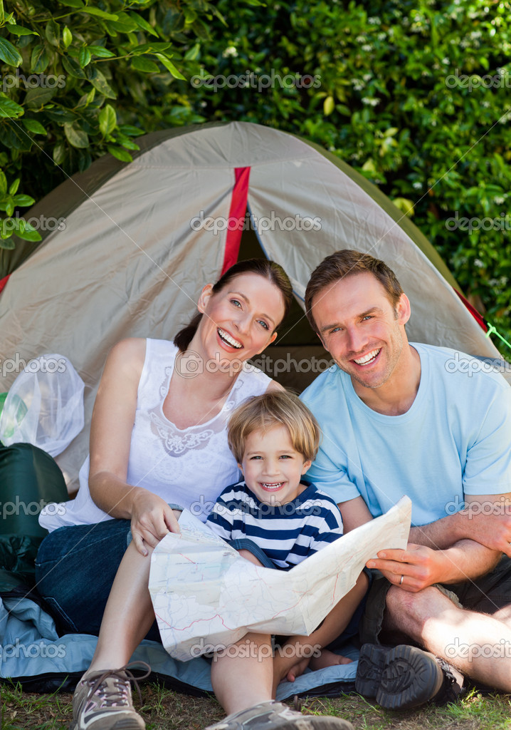 Family camping in the garden — Stock Photo #10848134
