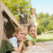 Happy family camping in the park — Foto Stock