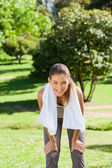 Sporty woman in the park — Stockfoto