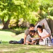 Family camping in the park — Foto de Stock
