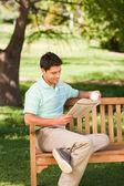 Man reading the newspaper — Stock Photo