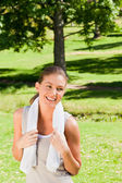 Sporty woman in the park — Stock Photo
