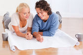 Couple organizing their new home — Stock Photo