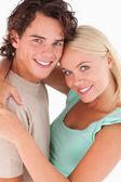 Zbliżenie uśmiechający się szczęśliwa para — Zdjęcie stockowe