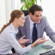 Colleagues talking about computer problems — Stock Photo
