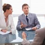 business partner, parlando con l'avvocato — Foto Stock
