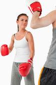 武術の訓練の若い女性 — ストック写真