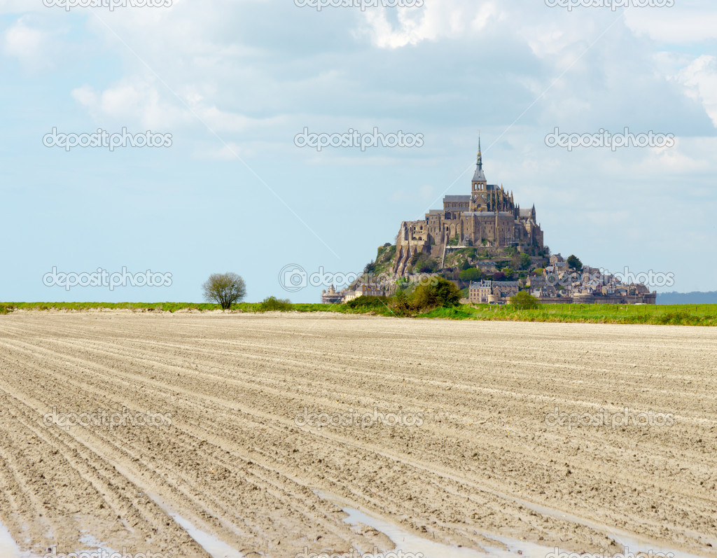 Mont Saint Michel Abbey, Normandy / Brittany, France — Stock Photo #10744395