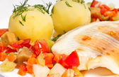 Fish fillet with steamed vegetables and potatoes — Stock Photo