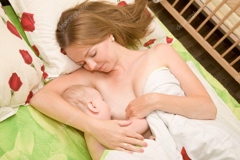 фото сасет грудь у мамы