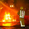 Firefighter putting out fire — 图库照片 #11898777