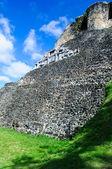 Tempio maya di xunantunich belize — Foto Stock