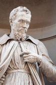 Statue of Michelangelo Buonaroti — Stock Photo