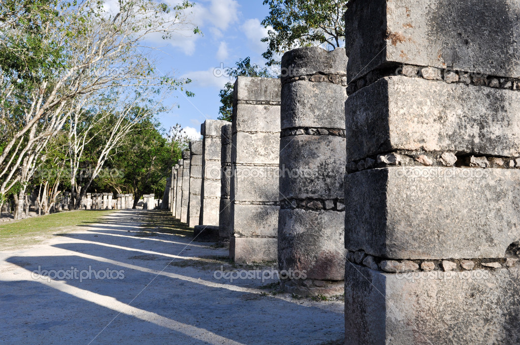 Chichen Itza Mayan Ruins 1000 Columns — Stock Photo #11118255