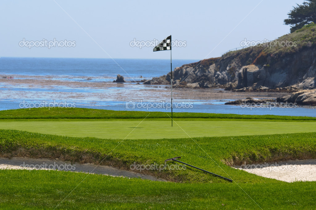 Golf Course on the Ocean — Stock Photo #11118355