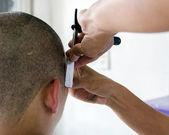 Close shave — Stock Photo