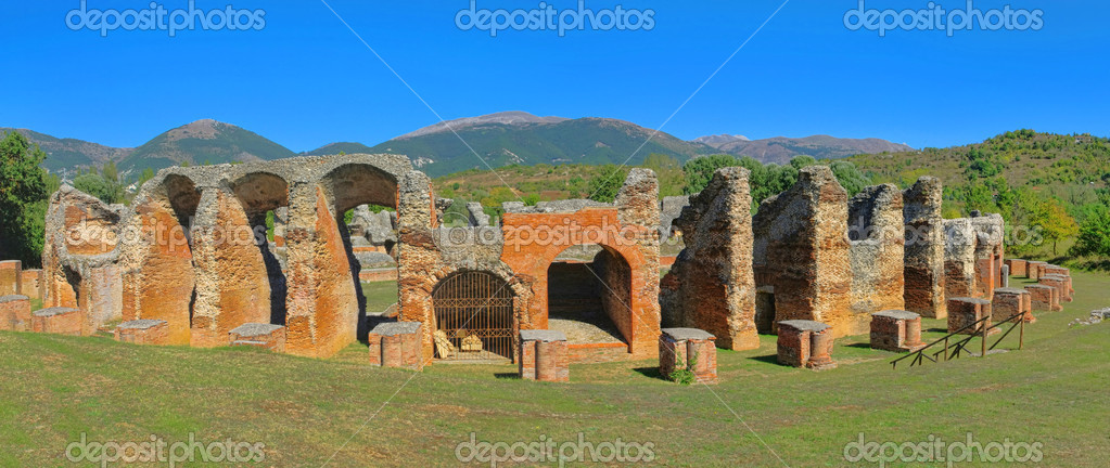 Amiternum amphitheatre 03 — Stock Photo #12370680