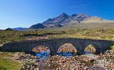 Stone bridge over a small river, Isle of Skye — Stock Photo
