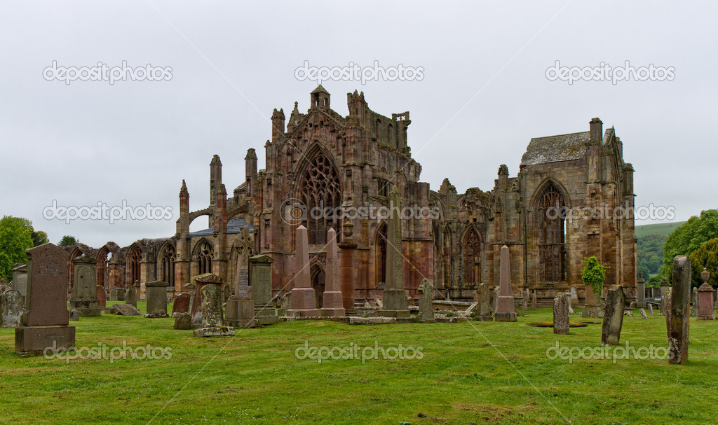 Ruins of the Melrose Abbey, Scotland, United Kingdom — Stock Photo #11629935