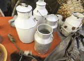 Viejos contenedores para leche — Foto de Stock