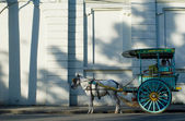 Traditional horse and cart or Karetela -Manila, Philippines — Stock Photo