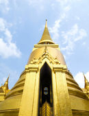 Golden Chedis, Grand Palace - Bangkok, Thailand — Stock Photo