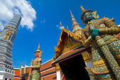 Grand Palace Guardians - Bangkok — Stock Photo