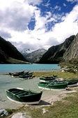 Laguna de llanganuco - bateaux de ligne — Photo