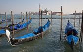 Venice - San Giorgio di Maggiore church and gondolas — Stock Photo