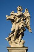 Rome - angel met de superscription van engelen bridge — Stockfoto