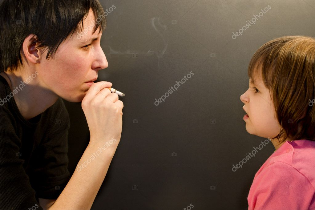 No for smoking of mother — Stock Photo #10891259