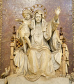 Rome - virgin Mary statue from basilica Santa Maria Maggiore — Stockfoto