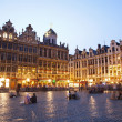 Brussels - The main square and Town hall in evening. Grote Markt. — Stock Photo