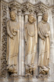 Paris - holy statue from main portal of Saint Denis gothic cathedral — Stock Photo