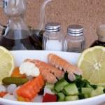 Zucchine con gamberetti e ingredienti — Stock Photo