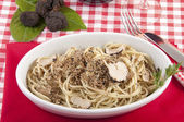 Spaghetti with black truffles — Stock Photo