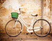 Vintage bicycle — Photo