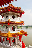 Pagoda on lake — Stock Photo